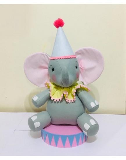 Elefante de Feltro com detalhes Rosa