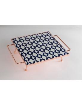 Bandeja quadrada com pé cobreado azul e branco losango