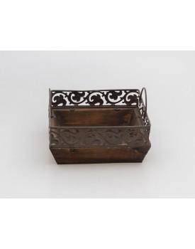 Bandeja de madeira rústica quadrada com alça de ferro