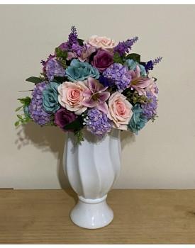 Arranjo de flor Artificial em tons de lilás , roxo , rosa e tiffany Tam M ( Não acompanha o Vaso )