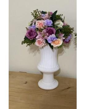 Arranjo de flor Artificial em tons de lilás , roxo e rosa Tam P  ( Não acompanha o Vaso )