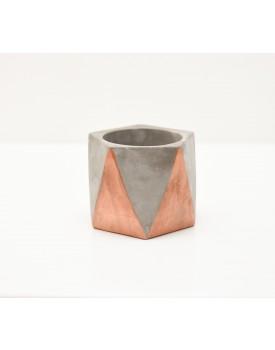 Cachepot geométrico cimento com detalhes cobre