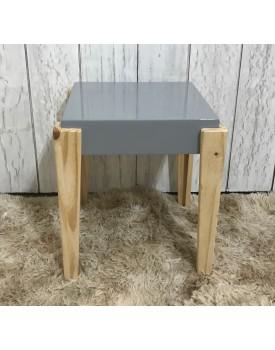 Mesa de Canto cinza quadrada Tam P