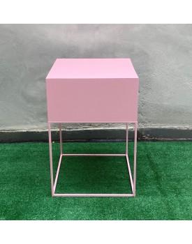 Mesa Cubo Baixa Poli Rosa Claro
