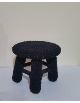 Mini Banquinho de crochê preto